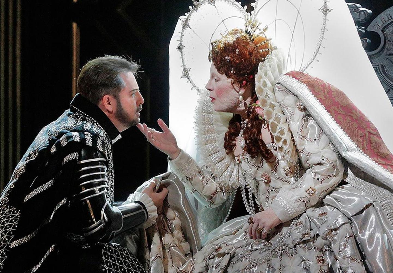 Roberto Devereux – Nightly Met Opera streams